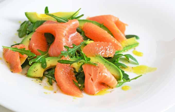 Lachs-Avocado-Grapefruit-Rucola-Salat