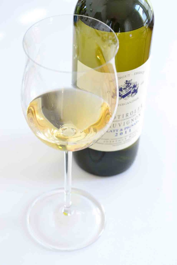 Sauvignon Blanc Josephus Mayr mit Glas