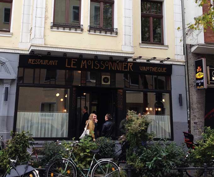 Außenansicht des Restaurants Le Moissonnier in Köln