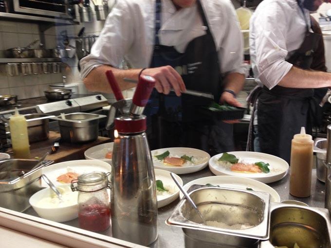 Impression aus der Küche des Restaurants Einzimmer in Nürnberg