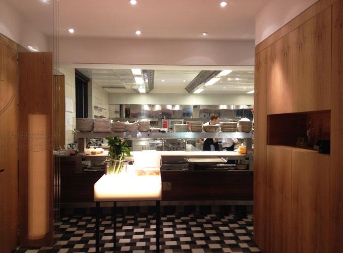 Steirereck Küche mit Pass