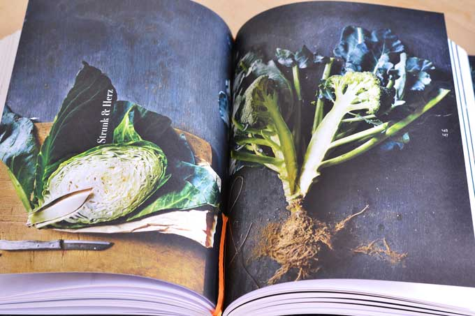 Leaf to Root Kochbuch Innenseite mit Foto von aufgeschnittenem Kohl